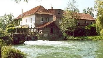 http://img2.charmio.com/images/0568-moulin-de-fillievres-01-600.jpg