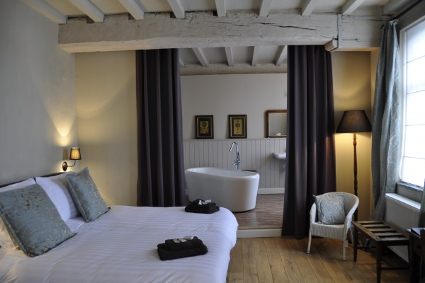 Bed breakfast in ename b b 39 t huys van enaeme for How to buy a bed and breakfast