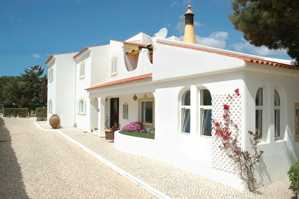 Charming hotel in porches casa bela moura charming hotel for Charming hotel
