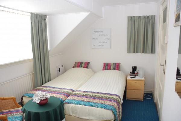 bed breakfast in noordwijk aan zee bed and breakfast joy. Black Bedroom Furniture Sets. Home Design Ideas